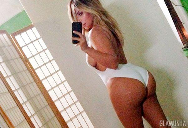Сексуальная блондинка взорвала интернет своими откровенными кадрами  46935
