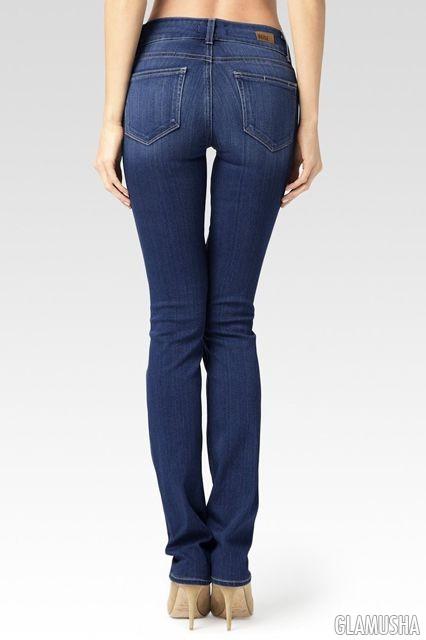 Демонстрирует попу в джинсах, порно с шимейлами онлайн