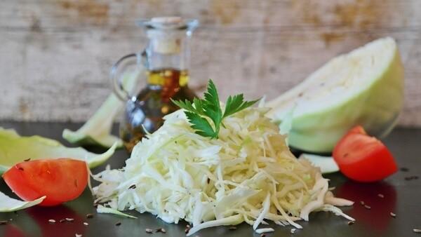 салат из капусты с курицей, калорийность капустного салата