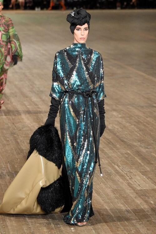 мода 2019 платья