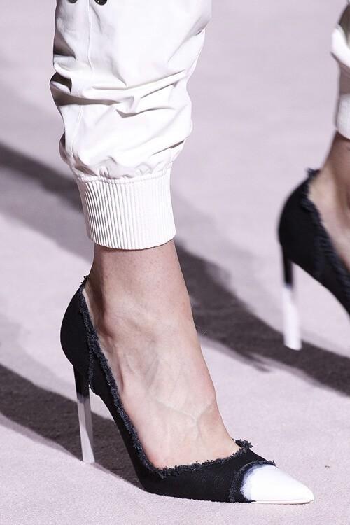модная обувь весна 2018 джинсовые туфли