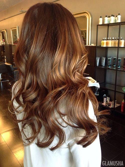 Девушки с покрашенными кончиками волос
