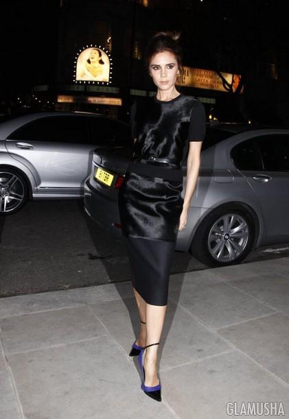 7717df0a4a4 9 Платье-футляр с вставками из стриженого меха