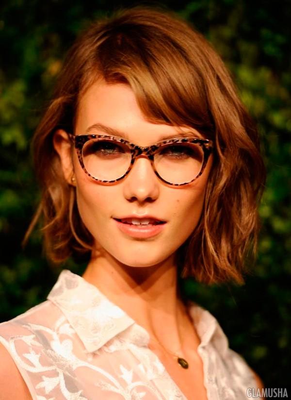 Выберите громоздкие солнцезащитные очки в форме «кошачий глаз» и вы точно  получите множество комплиментов. 56caf19823828
