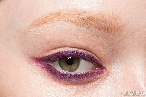 Макияж глаз с цветной подводкой