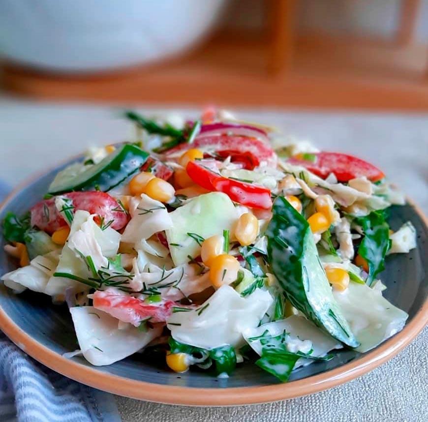 18 лучших ПП салатов с капустой ➝ диетические рецепты