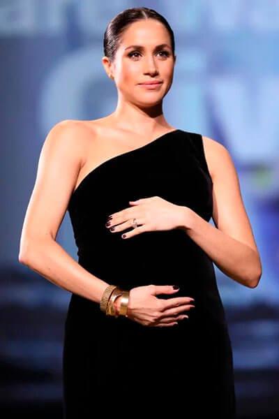 черное платье Меган Маркл
