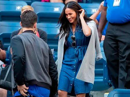 Меган Маркл в джинсовом платье