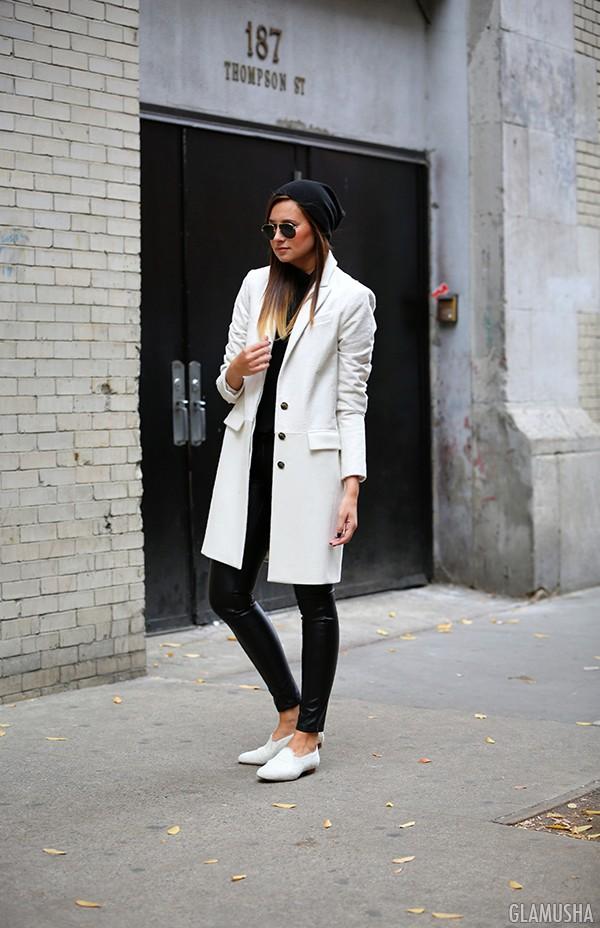 красивое белое пальто