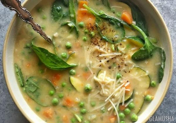 Суп со шпинатом и белой фасолью