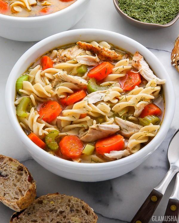 Куриный суп с лапшой против гриппа