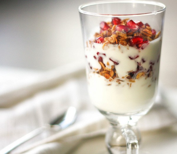 что приготовить ребенку на завтрак: полезный йогурт