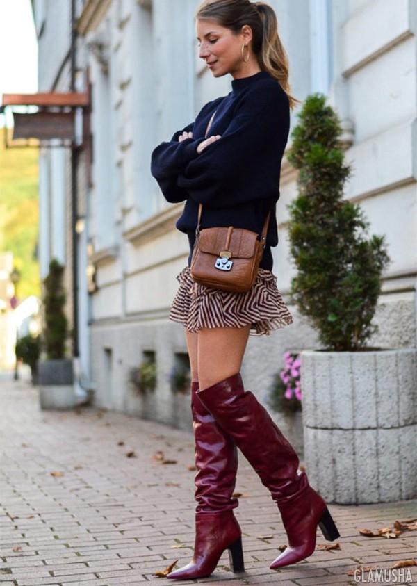интересную развивающую ботфорты без каблука модный лук фото это так