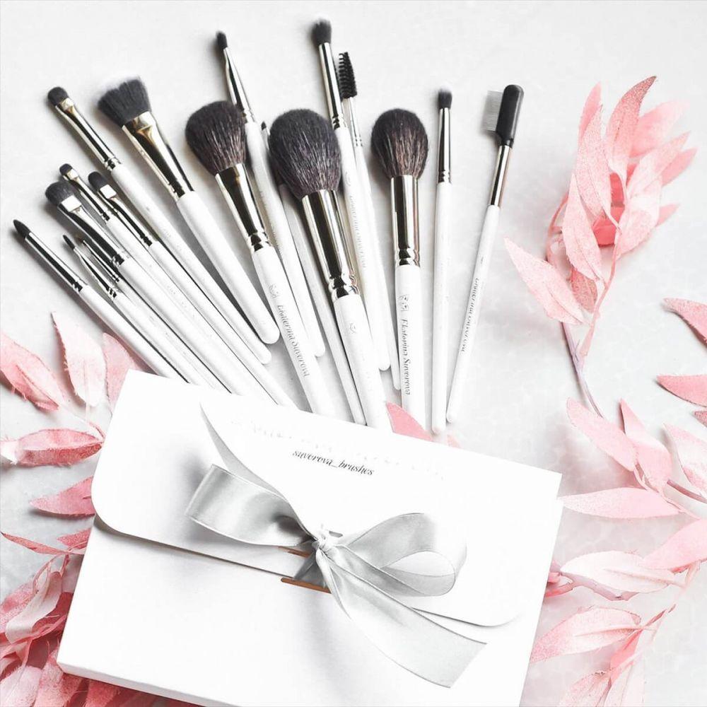 Как очищать кисти для макияжа