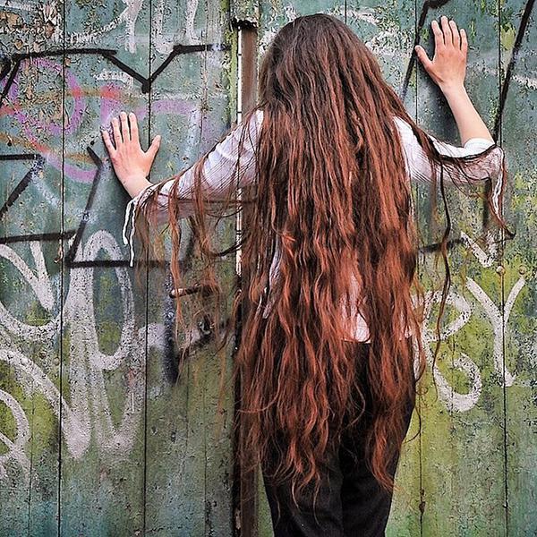 10 странных хитростей для волос