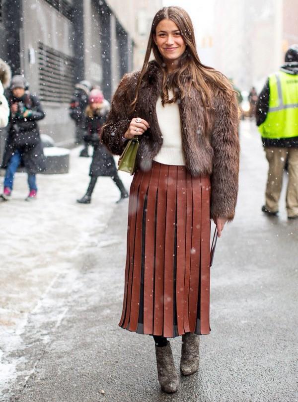 с чем носить юбку зимой, тренды