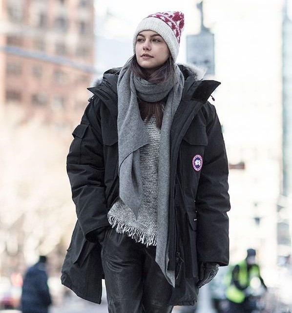 как носить шарф с курткой с капюшоном