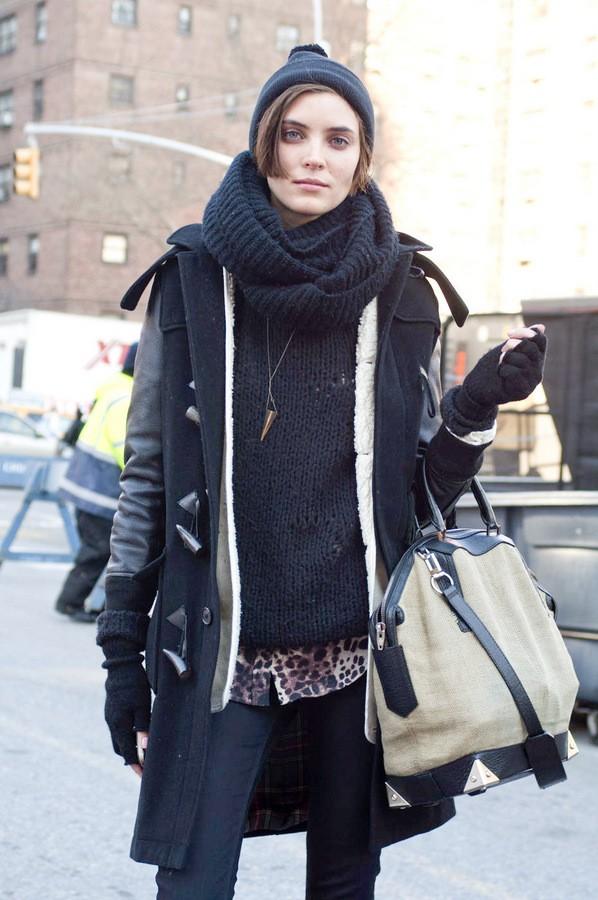 как носить шарф хомут с капюшоном фото