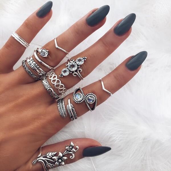 кольца +на первые фаланги пальцев