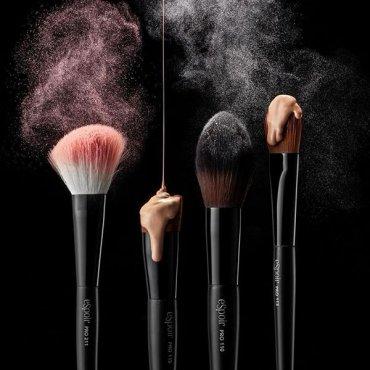 Очистка кисточек для макияжа