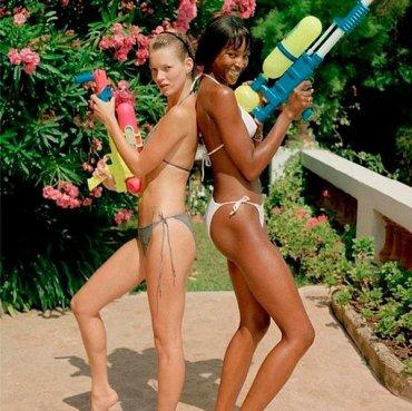 41 снимок знаменитостей в бикини
