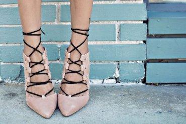 10 пар обуви, которая необходима каждой  работающей женщине