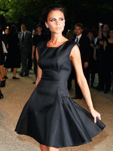 Виктория Бекхэм и ее Маленькие Черные Платья