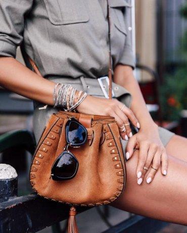 10 способов носить украшения, как настоящий профи