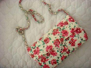 Женственные сумки с цветами