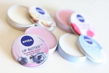 ТОП-15 вариантов увлажняющей помады для красивых губ