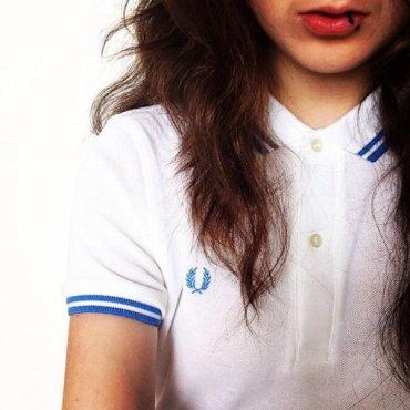 Стильная женская рубашка поло (поло lacoste, поло с рукавами): с чем носить
