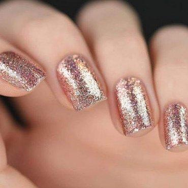 Розово-золотые лаки для ногтей: Топ-8 самых актуальных