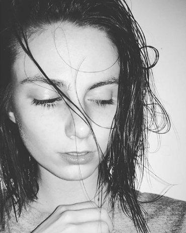 Почему нельзя спать с мокрыми волосами