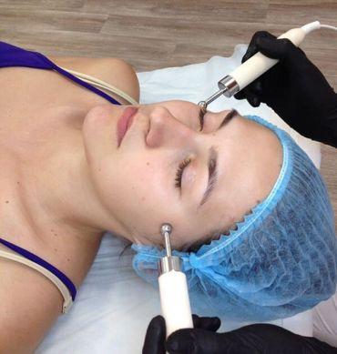 Микротоковая терапия - что это такое (для лица, тела, от отеков и мешков под глазами)