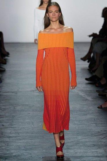 Платья с открытыми плечами - самая женственная тенденция 2016 года