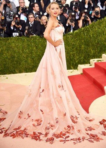 Модные вечерние платья 2017 (фото)