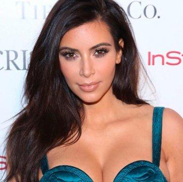 Ким Кардашян призналась, что Канье одобрил ее снимки в обнаженном виде
