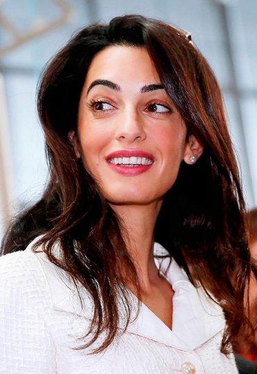 Лучшие модные образы Амаль Клуни