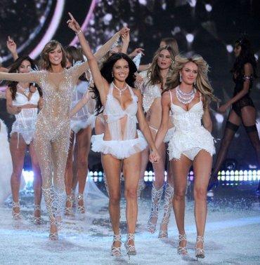35 самых шикарных ангелов Victoria's Secret