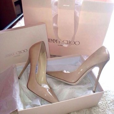 17 пар классической обуви