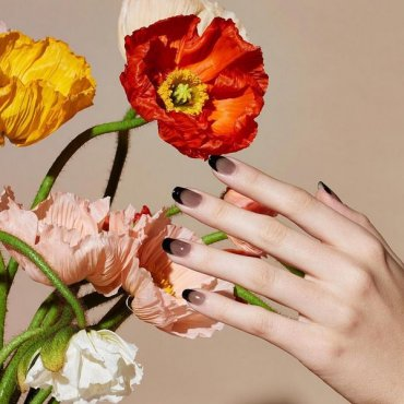 7 самых распространенных и опасных мифов о ногтях