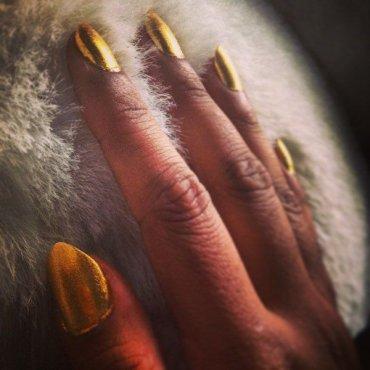 Топ лучших золотистых лаков для ногтей – на праздники и на все времена
